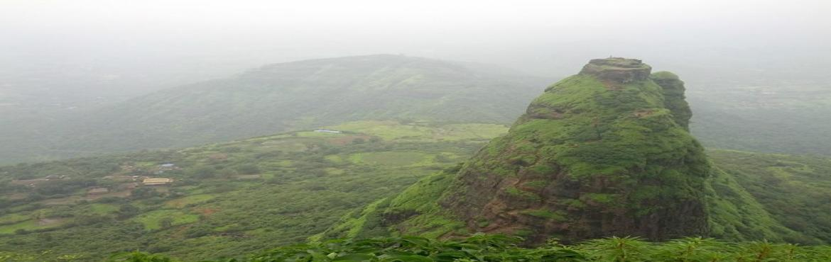 Book Online Tickets for One day trek at Kalavanthin on 21 August, Machipraba. Height: 2000 feet approxGrade: Medium – ThrillingKalavantin Base Village: Thakurwadi Contribution: Rs 800 /- per headAbout Kalavantin Durg:Kalavantin Durg was used as a watch tower and is located right next to Prabhalgad fort on the old Mu