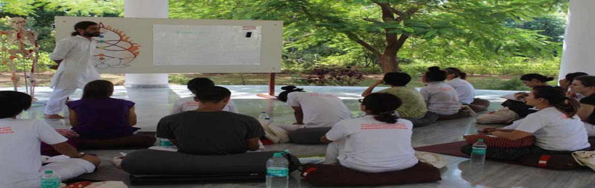 Yoga teacher training in Rishikesh 2017-18