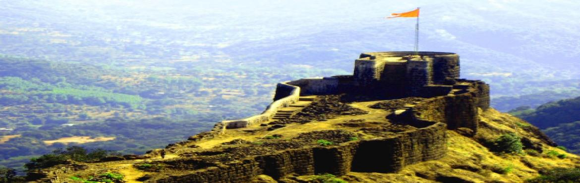 Book Online Tickets for Pratapgad Bhimachi Kathi Trek, Pune.    Recognised as one of the gems in the crown of Swarajya, the PRATAPGAD is situated on the western side of the famous hill station, Mahabaleshwar. It lies in Satara district of Maharashtra. The route from Poladpur (on Mumbai-Goa Highway) t