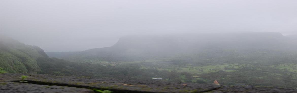 "Book Online Tickets for Trek to Lohagad Fort on 23rd September 2, Pune.  About Lohagad:- Lohagad ""Iron fort"" is one of the many hill forts. It divides the basins of the Indrayani and Pavna and is situated on a wide range of the Sahyadri. The Visapur fort is located on its eastern side. The four large gates of"