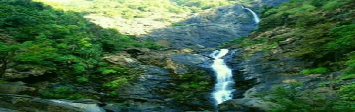 Book Online Tickets for koosali waterfalls trek (near murudeshwa, Udupi.         The fabulous picnic spot, Koosalli waterfalls is located near Koosalli village in Kundapura. A series of six falls, one above the other, in splendid surroundings makes it one of the best waterfalls in the state. The combined he