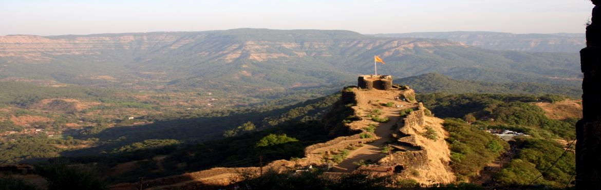 Book Online Tickets for Pratapgad to Bhimachi kathi, Mahabalesh. Recognized as one of the gems in the crown of Swarajya, the PRATAPGAD is situated on the western side of the famous hill station, Mahabaleshwar. It lies in Satara district of Maharashtra. The route from Poladpur (on Mumbai-Goa Highway) to Parga