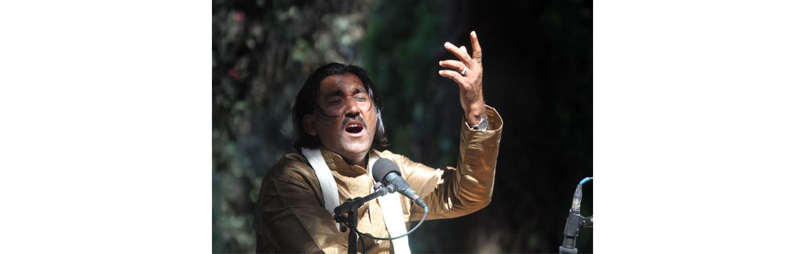 Book Online Tickets for Grand Finale SUFI SONGS by Mukhtiyar Ali, Hyderabad. Mukhtiyar Ali is a folk singer from Bikaner, Rajasthan.He was born in a small village called Pugal on the North-west frontier of India and belongs to the seminomadiccommunity of Mirasis who have been thetraditional carriers of the oral tr