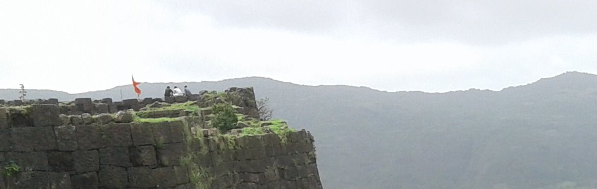 Book Online Tickets for Gorakhgad trek by TrekDi, Pune.   About: Enchanting forests and caves – these make up the trail to Gorakhgad peak. You'll see the most vivid shades of green around you. It is three hours away from Mumbai, We offer trek from Pune. The twin peaks of Gorakhgad and Mac