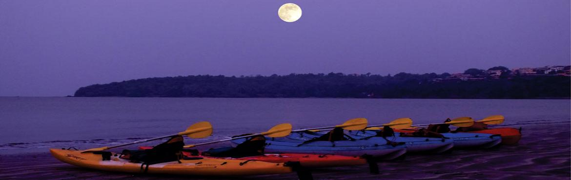Book Online Tickets for Full Moon Kayaking, Goa. On full moon days, we take you kayaking off Bambolim Beach. The bright moon makes the landscape come surreally alive.  For One to 10 persons, only 8 days a month. On 8 days during each month, during the Waxing (increasing) phase of the Moon, kn