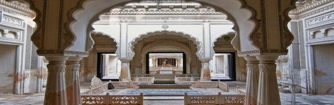 Book Online Tickets for Taj Mahal of the Deccan: A Narrated Walk, Hyderabad.  Paigah Tombs are undoubtedly regarded as the epitome of achievement in artistic finesse of architecture during the Nizams. With exquisitely fine work on the beautiful white marble ( brought from Makarana, the same quarry stone that was used in