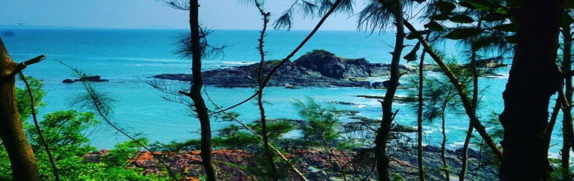 Book Online Tickets for Beach Trek to Gokarna, Bengaluru.       Gokarna is a dream destination for travelers with miles of golden sand beaches, jagged cliffs, outstanding view of sunset, undiscovered coves and quaint temples. It is one of the most pristine and secluded beaches of India t