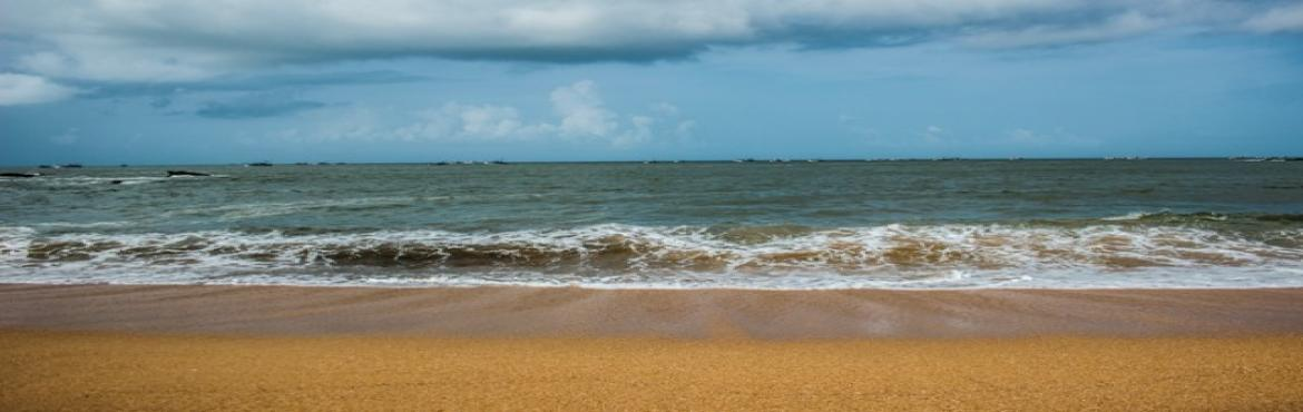 Book Online Tickets for Beach Trek to Gokarna , Bengaluru.   Gokarna is a dream destination for travelers with miles of golden sand beaches, jagged cliffs, outstanding view of sunset, undiscovered coves and quaint temples. It is one of the most pristine and secluded beaches of India t