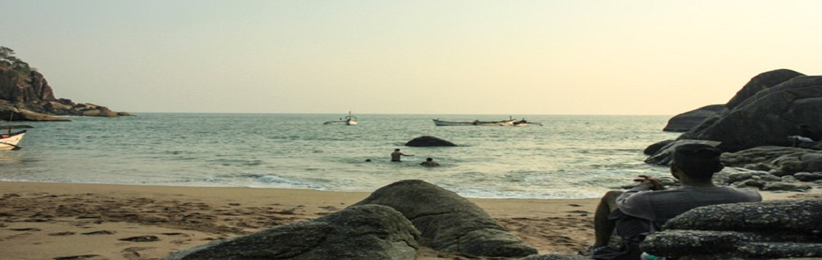 Book Online Tickets for Beach Camping in South Goa, Bengaluru. One of the first of its kind, this event comprises of camping at the beach, a trek in the jungles of coastal Goa, serene views of the coast from waters along with serenity in one of the isolated beaches of Goa.After boarding BMC vehicle o