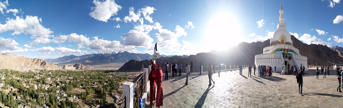 Book Online Tickets for Leh Ladakh Road Trip, Leh.  Visiting to Ladakh has always been a dream; here is your chance to make it a reality. Chandigarh/Delhi-Manali-Leh Road Trip will take you all the way from Chandigarh/Delhi covering beautiful places like Manali, Rohtang La pass, Jispa, Baralachala Pa