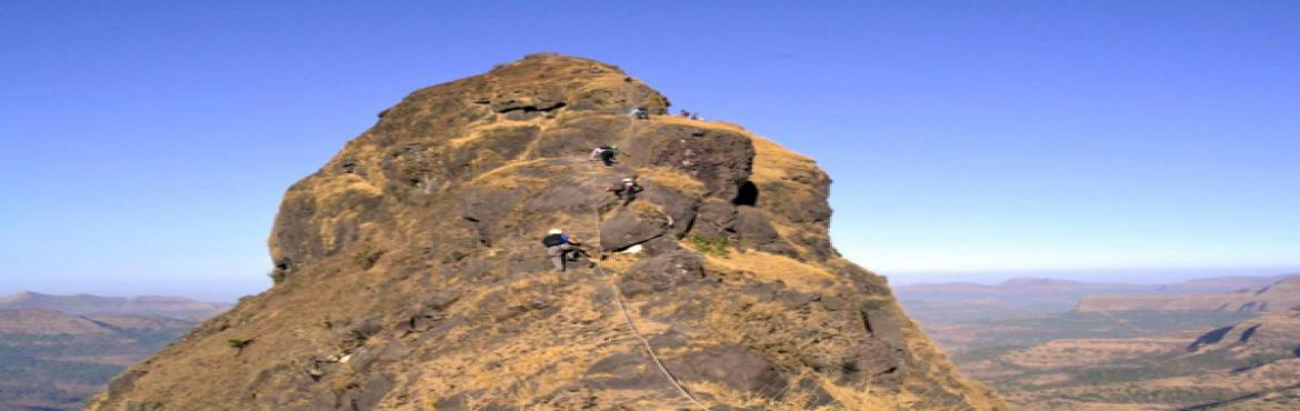 """Book Online Tickets for LINGANA-CLIMBING -RAPPELLING , Pune.  About The Event   Plus Valley Adventure Invites you for new season for aspiring climbers dream """"LINGANA 1200 ft CLIMBING & RAPPELLING"""" .The Lingana Climbing Expedition journey brings you the ultimate lifetime adventure &a"""