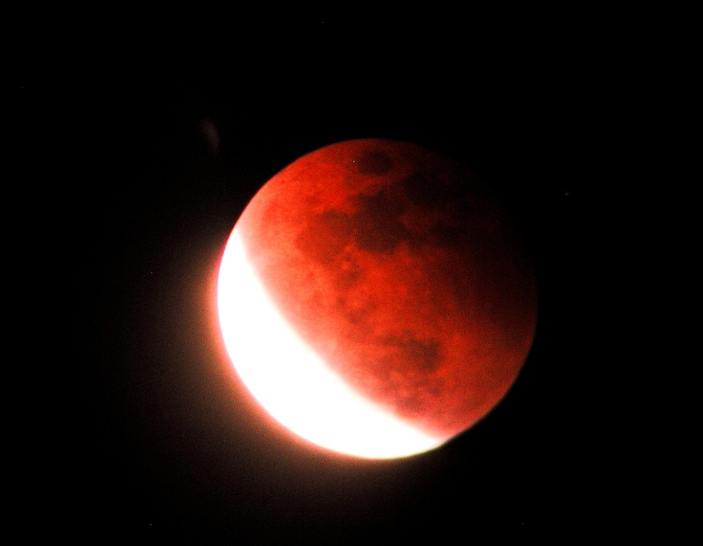 LUNAR ECLIPSE 4 APRIL, 2015