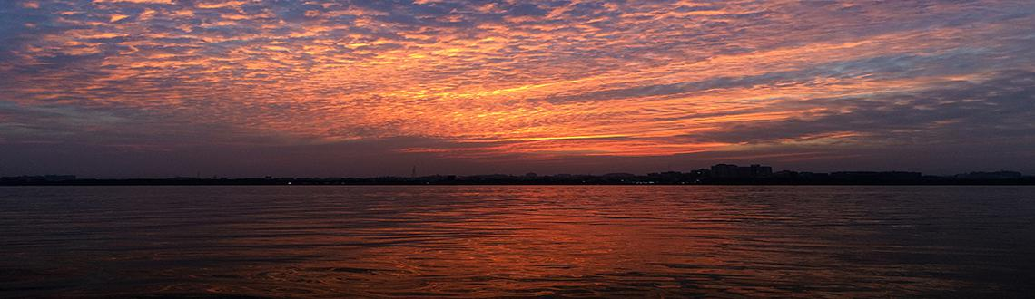 Book Online Tickets for Sunset Kayaking , Secunderab. The onset of winter on Hussain Sagar produces some of the finest sunsets across the lake.