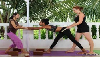200 hrs Yoga Teacher Training in India in December 2017