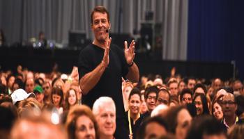 Become Expert Trainer or Teacher like Tony Robbins