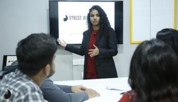 Making Impactful Presentation by Simply Body Talk